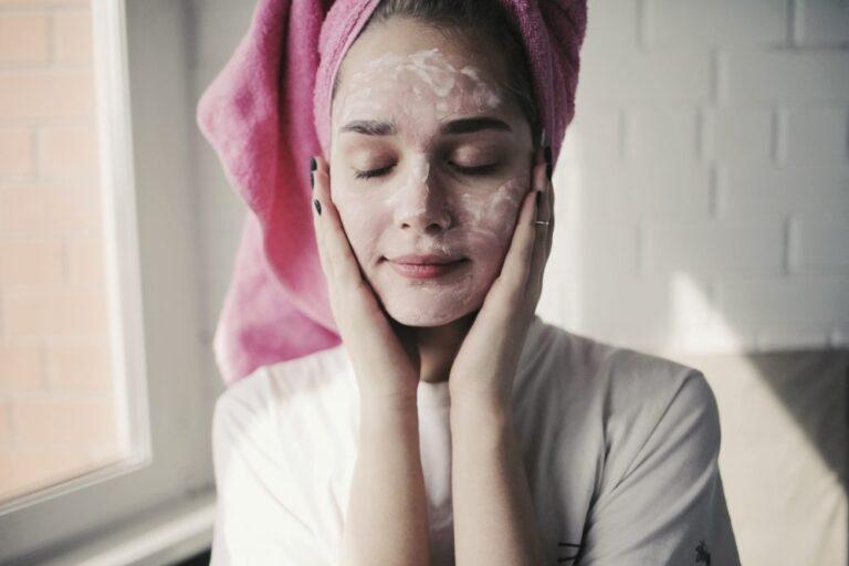 Rotina de skincare: passo a passo para cuidar da pele