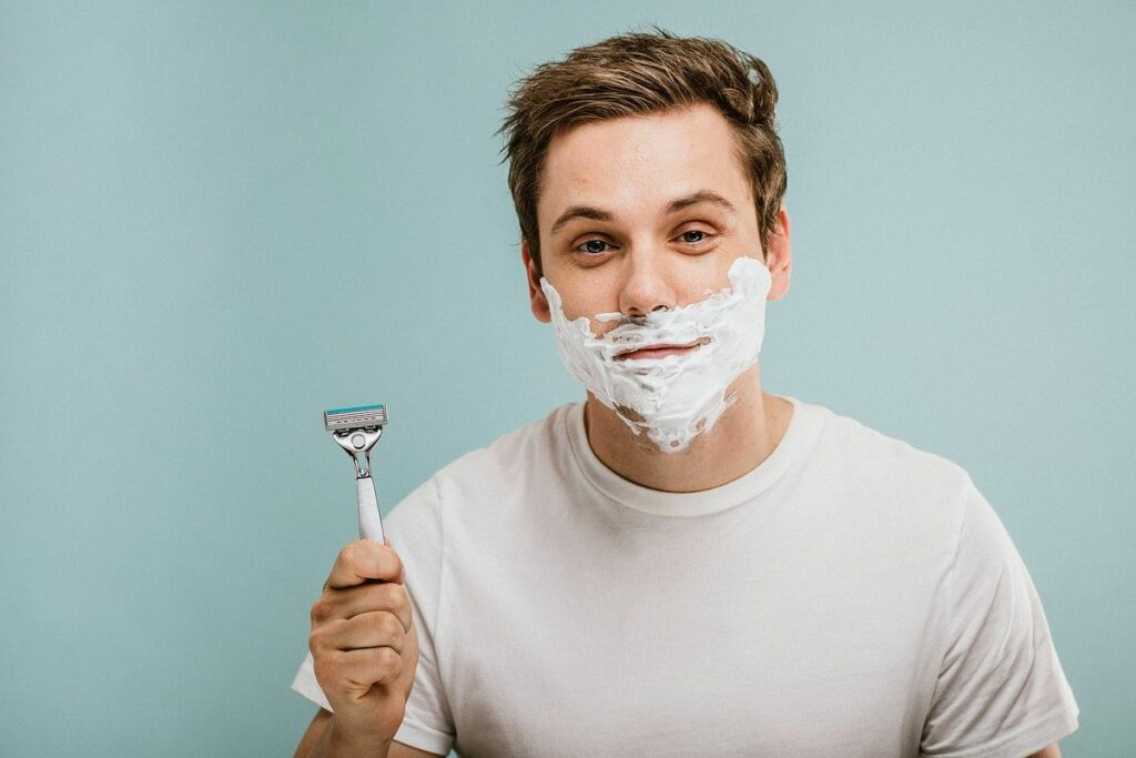Saiba como evitar e tratar a foliculite na barba