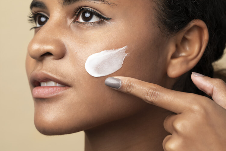 Hidratação para o rosto: entenda porque esse hábito é essencial